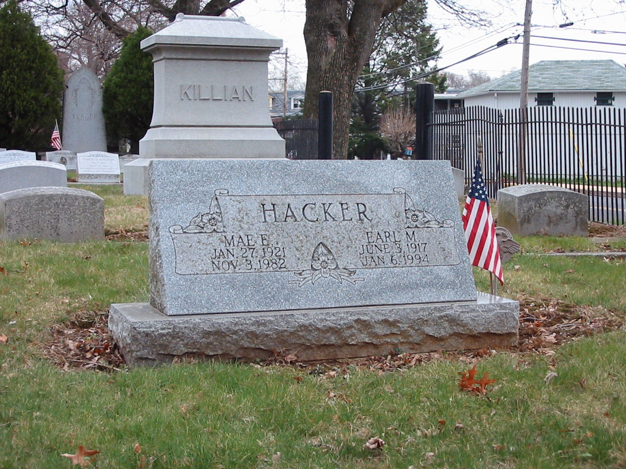 Gravestone of Earl M. and Mae E. Hacker