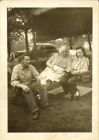 Bill, Isabella (Smith), and Mims Hocker, 1946.