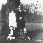 Isabella Hocker and 3 of her daughters