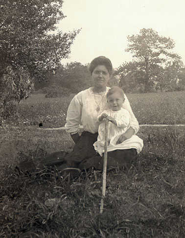 Lillian (Snyder) Greulich and son, circa 1911